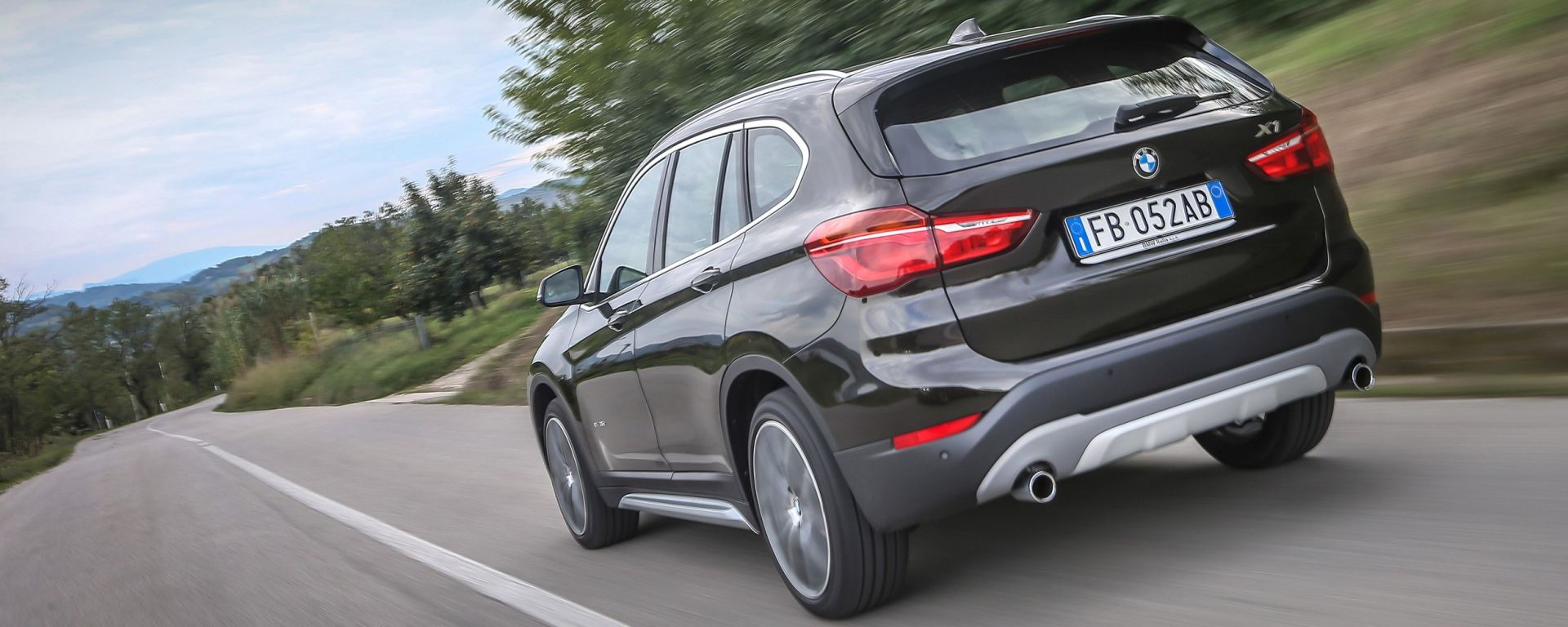 BMW X1 2016, il video