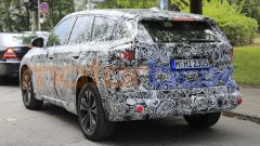 BMW X1 2022, la fanaleria posteriore sembra più sottile dell'attuale