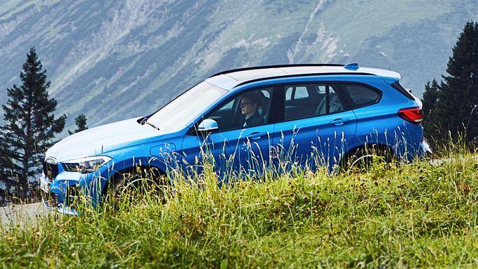 BMW X1 plug-in hybrid. Ma in cantiere c'è la full electric...