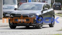 BMW X2 2021: visuale di 3/4 anteriore