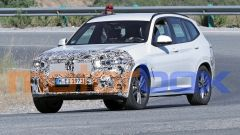 BMW X3 2021: le foto spia del facelift
