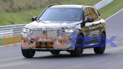 BMW X3 M 2021: visuale di 3/4 anteriore