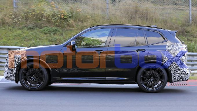 BMW X3 M 2021: visuale laterale