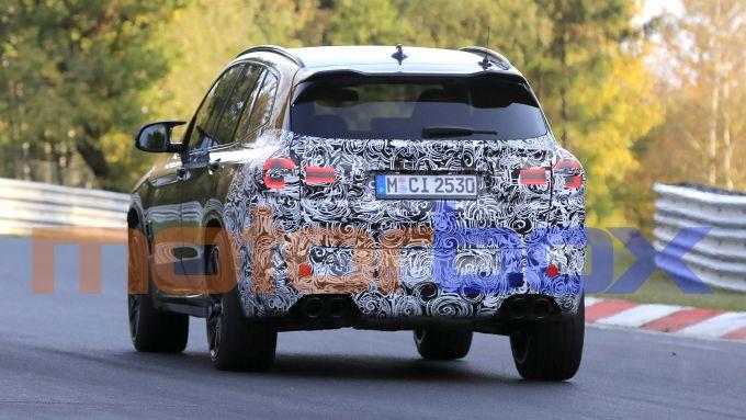 BMW X3 M 2021: visuale posteriore