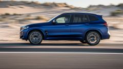 BMW X3 M Competition 2022: visuale laterale