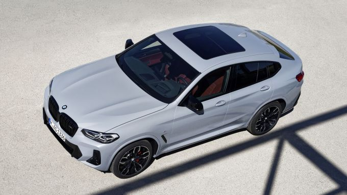 BMW X4 2022 facelift: visuale dall'alto