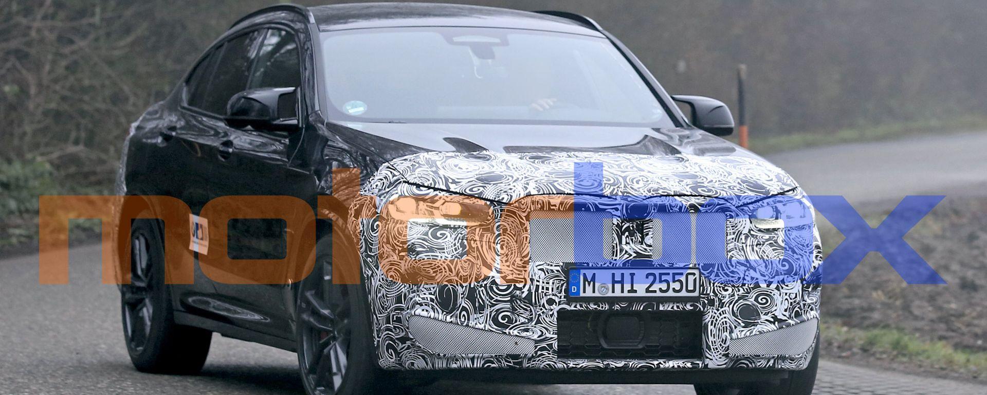 BMW X4 M 2021: visuale di 3/4 anteriore