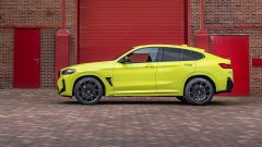 BMW X4 M Competition 2022: visuale laterale
