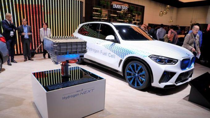 BMW X5 a idrogeno: la i Hydrogen Next realizzata partendo dal SUV tedesco