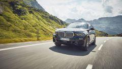 BMW X5 XDrive45e: il frontale