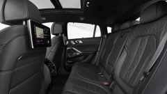 BMW X6 2019 divano posteriore