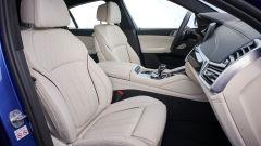 BMW X6 2020, i sedili anteriori