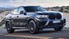 BMW X6 M Competition: vista 3/4 anteriore