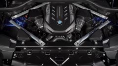 BMW X6 M50i, motore V8 da 530 cv