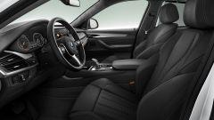 BMW X6 M50th Anniversary Limited Edition: pelle e Alcantara all'interno per sottolineare la sportività del modello