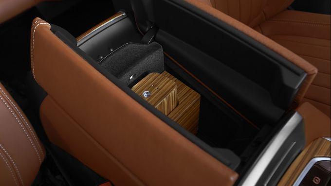 BMW X7 by Poldo Dog Couture: l'igienizzatore spray