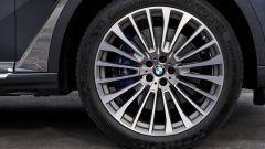 BMW X7, cerchi da 22 pollici