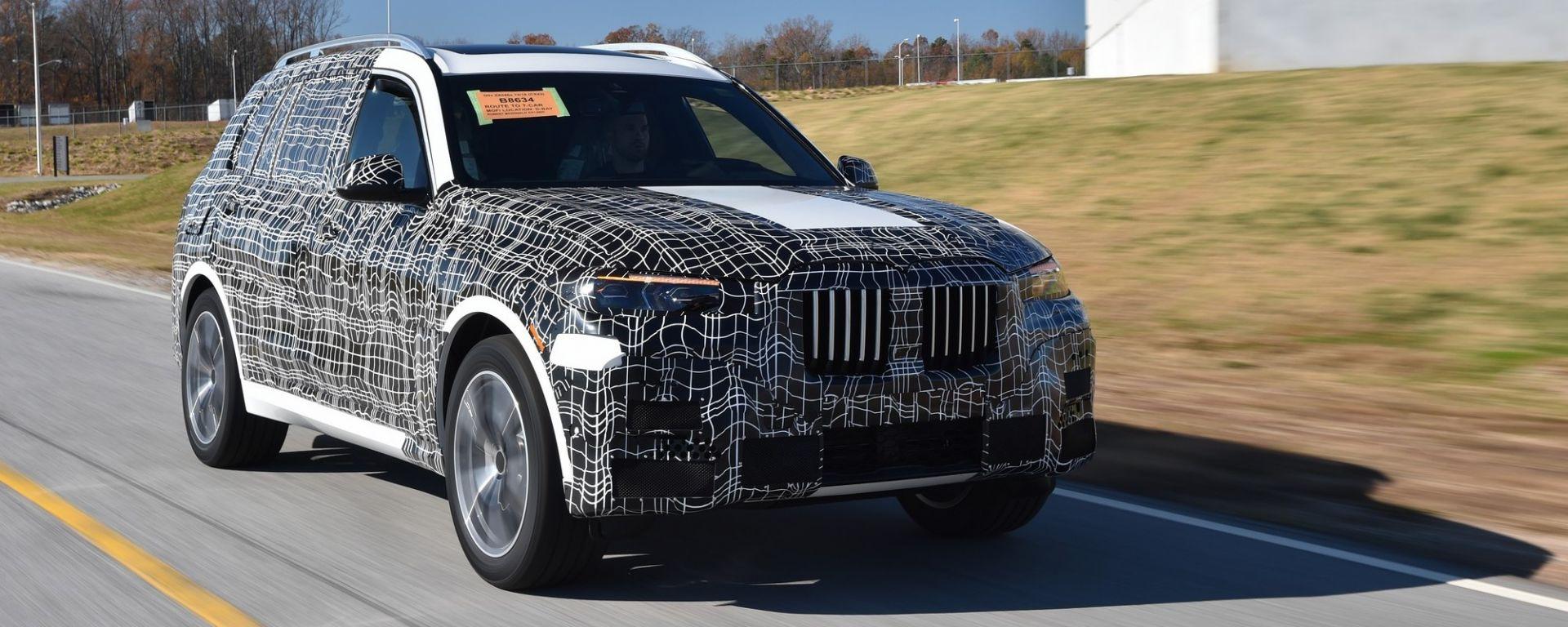 BMW X7: le prime immagini ufficiali