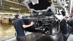 BMW X7: le prime immagini ufficiali - Immagine: 7