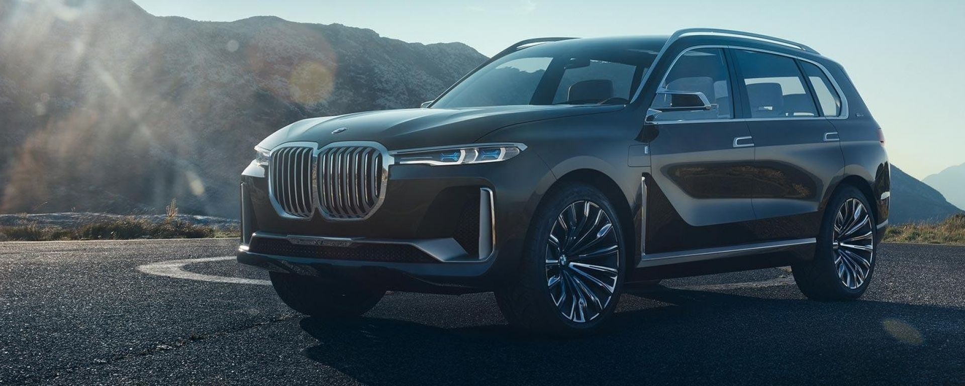 BMW X7 Concept: le foto in anteprima