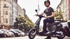 Bosch a Berlino lancia Coup: lo scooter sharing elettrico - Immagine: 1