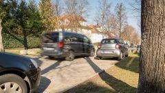 Bosch community-based parking: le auto mappano i parcheggi e ne condividono la posizione online