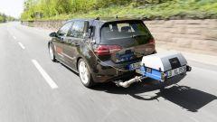Bosch: una Volkswagen Golf impegnata nei test RDE con un analizzatore portatile di emissioni PEMS