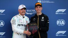Bottas riceve il premio Pirelli per la pole-position