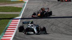 Bottas seguito da Verstappen e dalla Ferrari