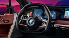 * BMW inventa il volante pieghevole per le auto, il brevetto