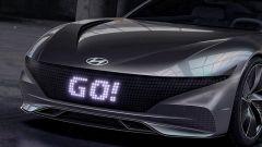 Hyundai brevetta display nella calandra per comunicare fra auto