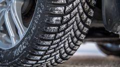 Bridgestone Blizzak LM005 offre performance eccezionali su neve e ghiaccio