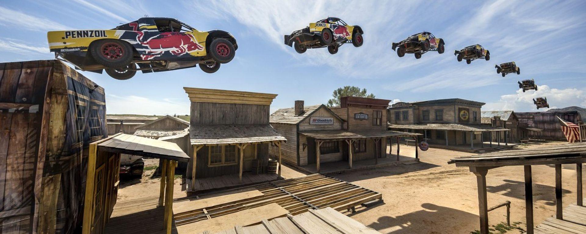 Bryce Menzies, il salto più lungo del mondo in pickup