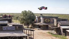 Bryce Menzies: in volo col pickup per 115 metri. E' record (video) - Immagine: 5