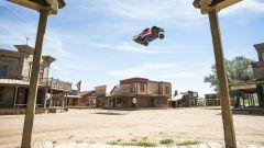 Bryce Menzies: in volo col pickup per 115 metri. E' record (video) - Immagine: 6