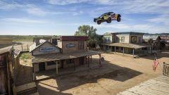 Bryce Menzies: in volo col pickup per 115 metri. E' record (video) - Immagine: 13