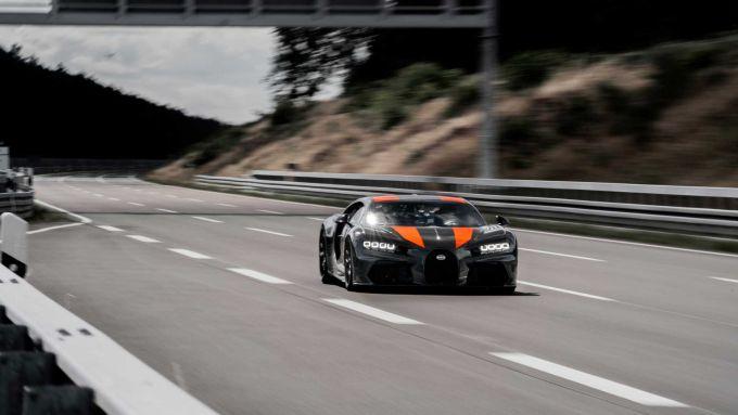 Buaggti Chiron impegnata nel record di velocità