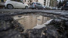 Buche stradali, nessun diritto a risarcimento danni se sono prevedibili