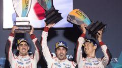 Buemi, Alonso e Nakajima festeggiano sul gradino più alto del podio di Sebring