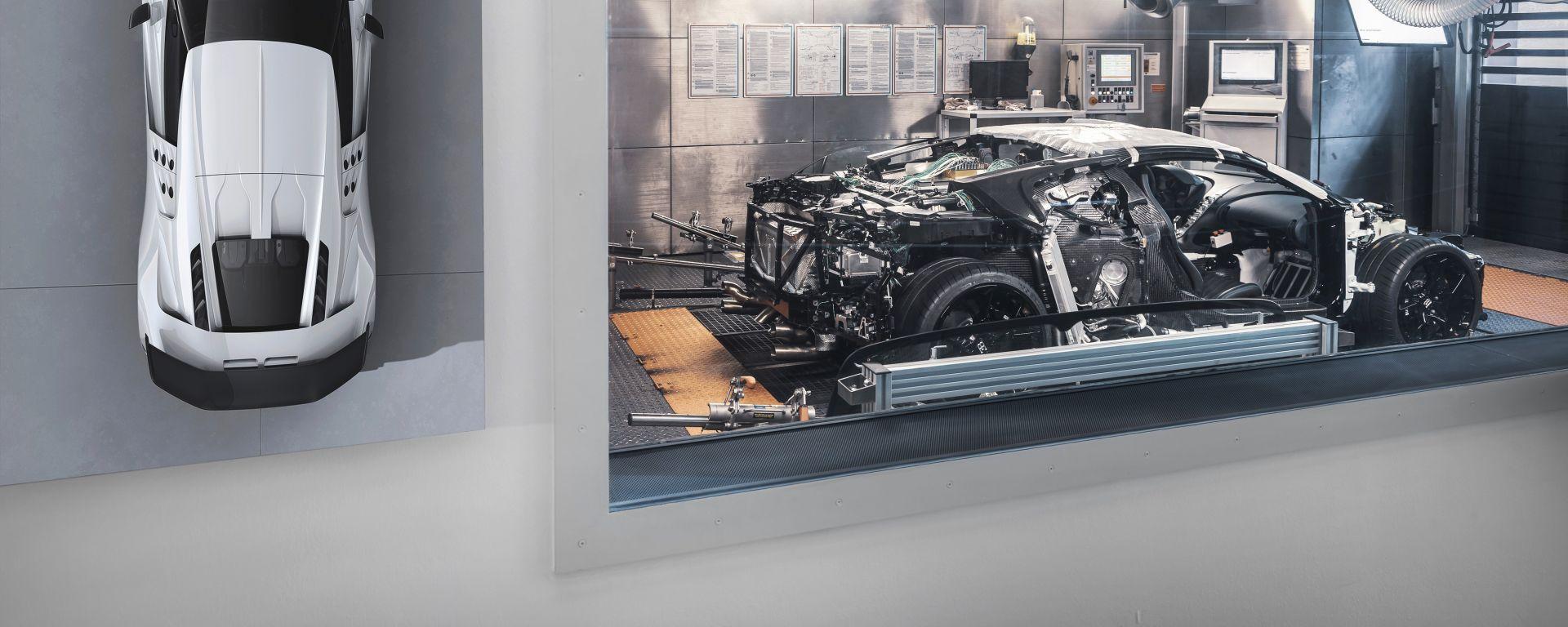 Bugatti Centodieci, il primo prototipo nella prova al banco