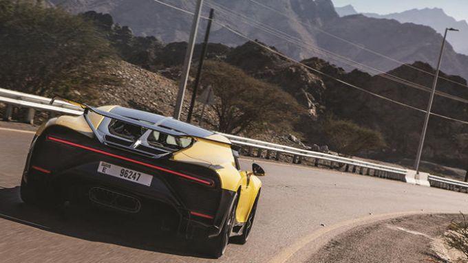 Bugatti Chiron Pur SPort: la prova sulle strade di montagna del Dubai