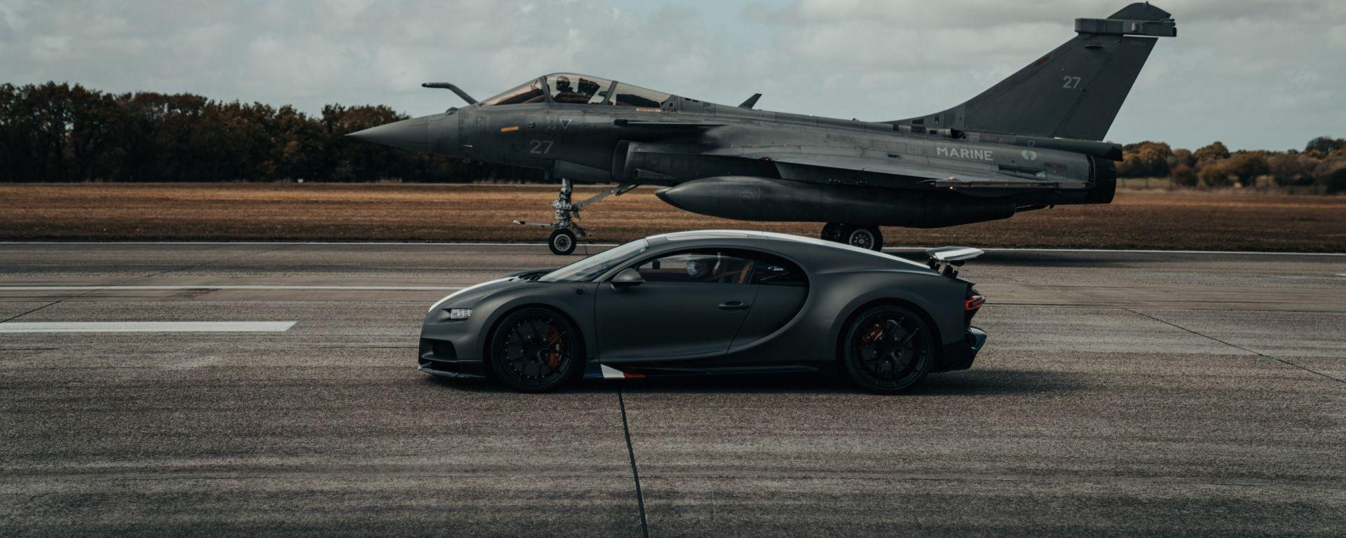 Bugatti Chiron Sport Les Legendes Du Ciel e Dassault Rafale Marine pronti per la sfida