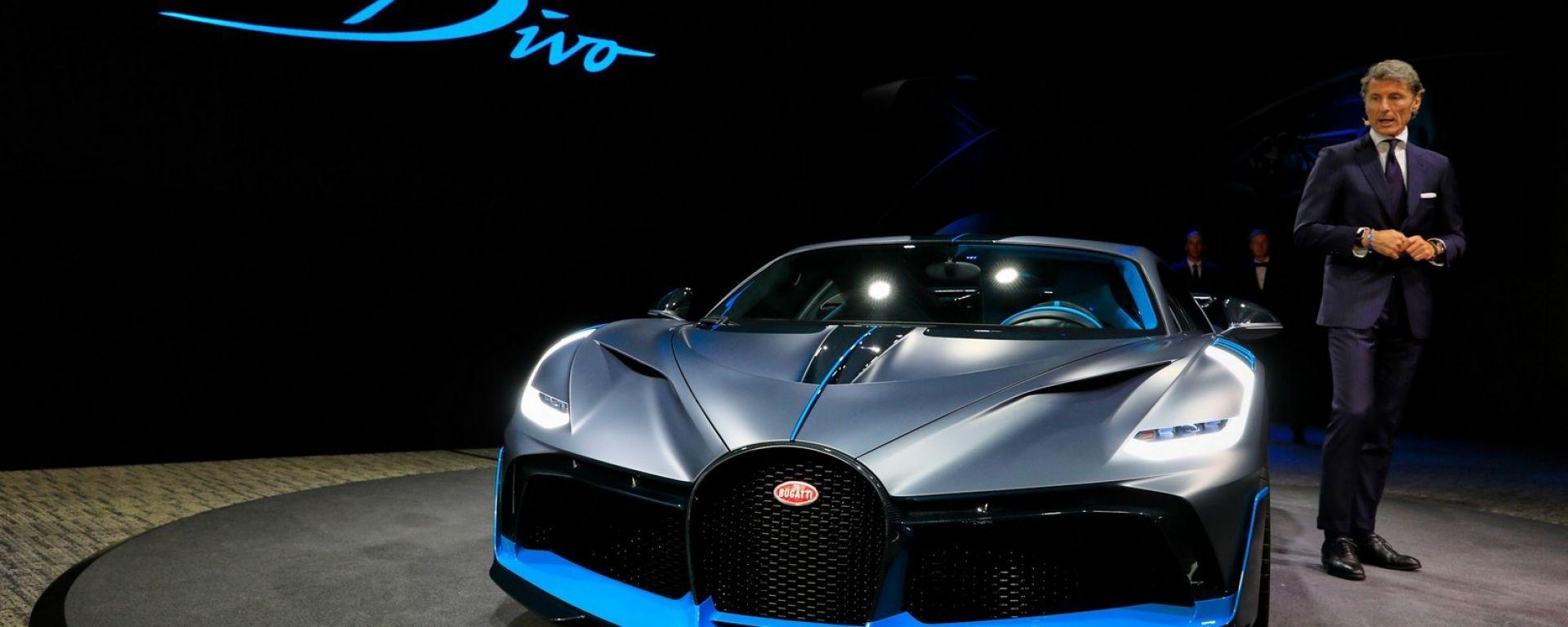 Bugatti Divo: l'auto da 5 milioni di euro in video da Parigi