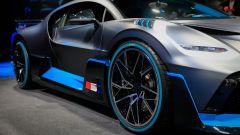 Bugatti Divo: l'auto da 5 milioni di euro in video da Parigi - Immagine: 14