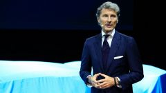 Bugatti Divo: l'auto da 5 milioni di euro in video da Parigi - Immagine: 48