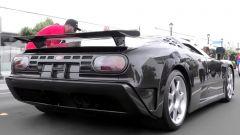 Bugatti EB110 SS con carbonio a vista, il retro