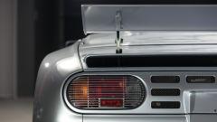Bugatti EB110 Super Sport: in vendita con soli 950 km all'attivo - Immagine: 15