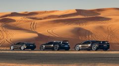 Bugatti: EB110, Veyron e Chiron nel deserto