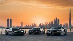 Bugatti: EB110, Veyron e Chiron posano a Dubai