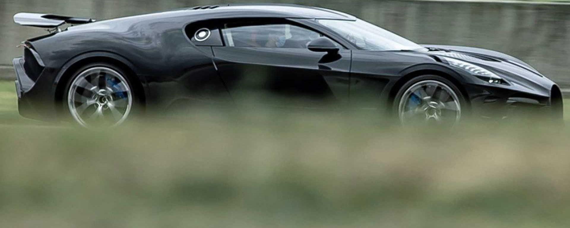Bugatti La Voiture Noire: i test in pista della Hypercar francese